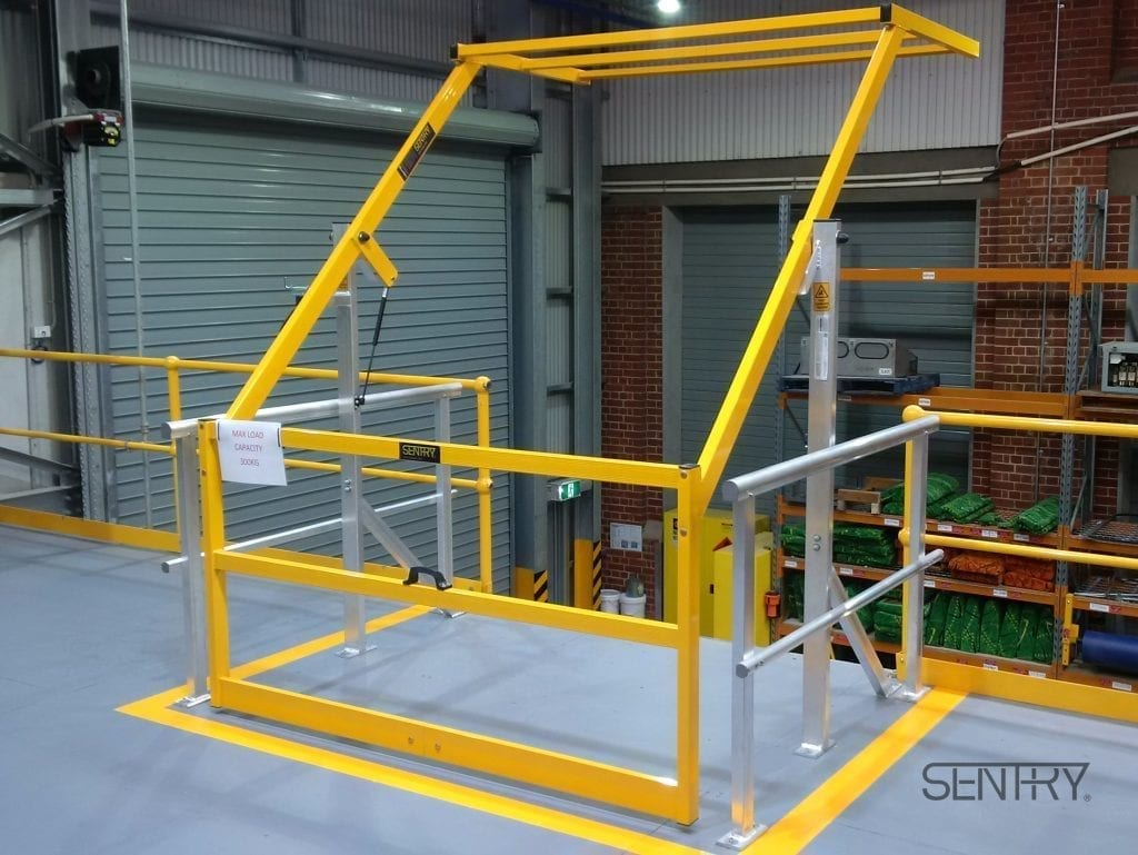 Mezzanine Pallet Gate : Sentry mezzanine safety gate materials handling