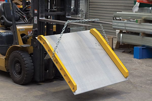 Aluminium Dock Board lifting chains