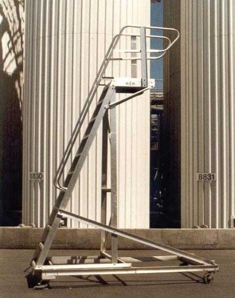 Custom Made Aluminium Access Platforms Cantilevered Tanker Access Ladder Industrial