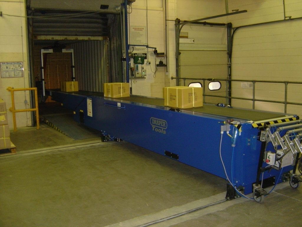 Vaculex ParceLift with conveyor