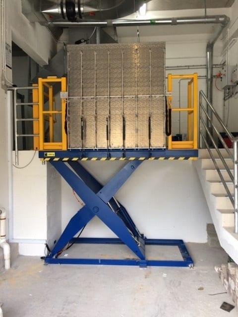 Lo Lift Scissor Platform dock hoist
