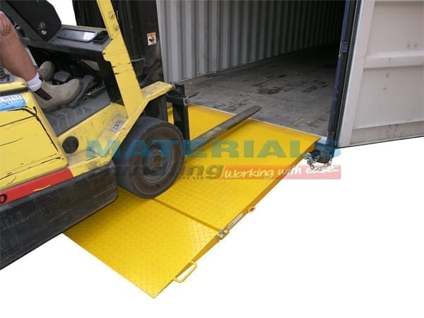 MCRN8 Container Ramp