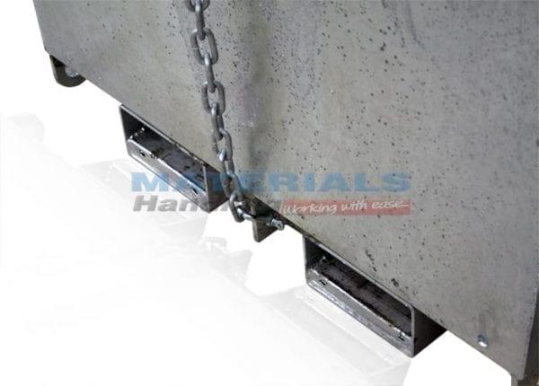 MWCB9x23 Crane Bin fork pockets and safety chain