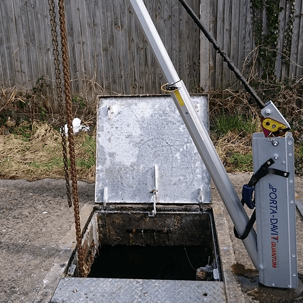 Porta-Davit Quantum Crane