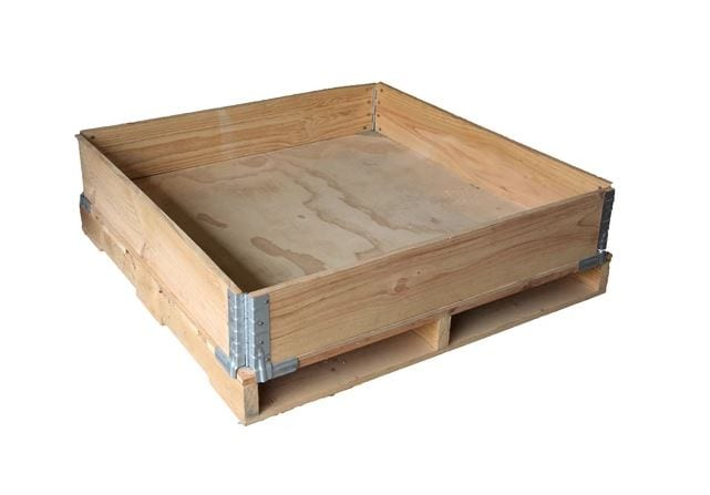 SPCS Pallet collar on timber pallet