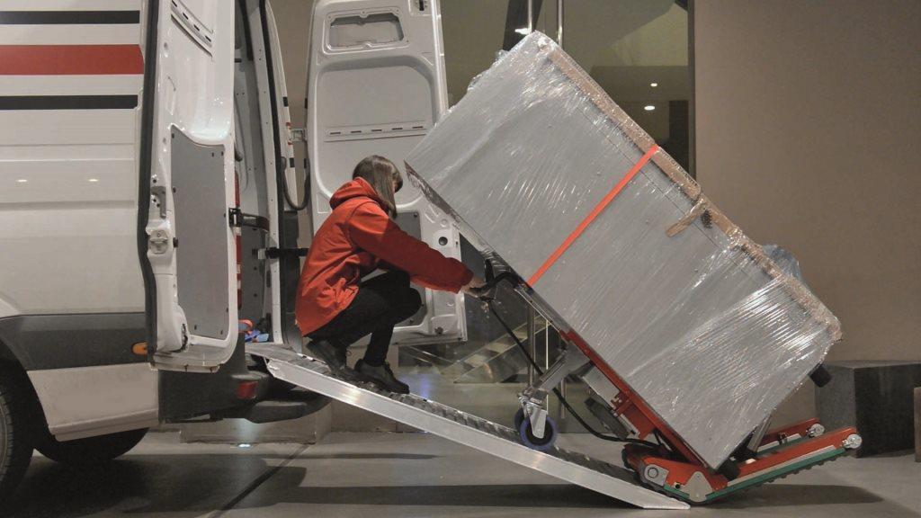 Domino Stair Climbing Robot with Aluminium Ramp